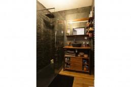 Salle de bain moderne proposée par Tholus. Contractant général en Batiment sur Toulouse